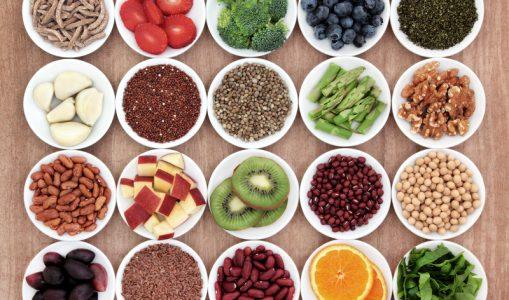 Las proteínas completas están en frutas, legumbres, semillas y vegetales.