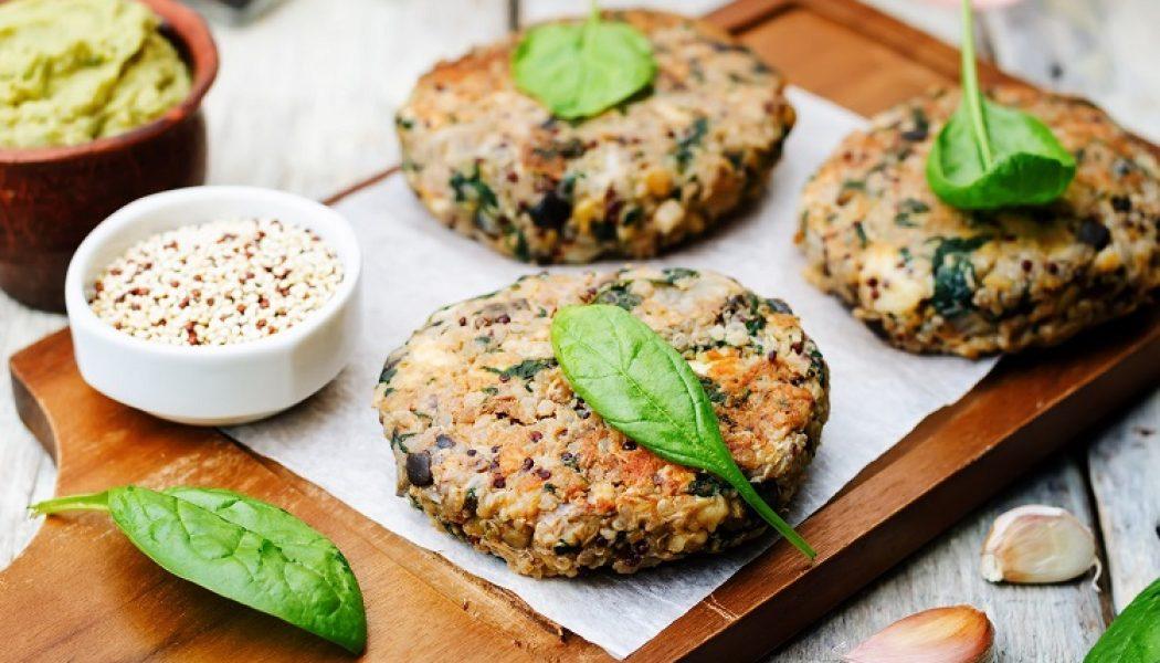Hamburguesas veganas de quinoa y espinacas.